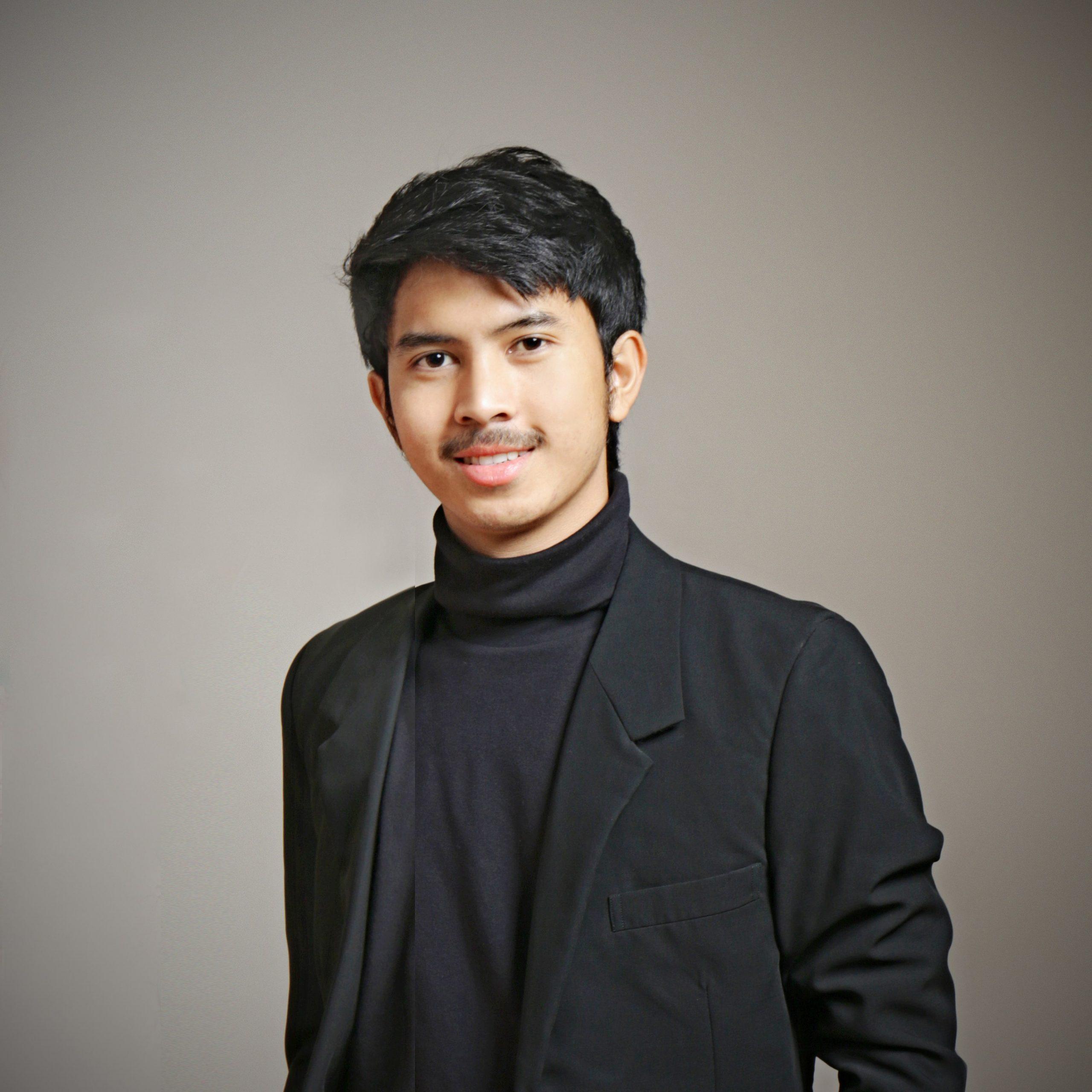 Yaumi Azhar, SE